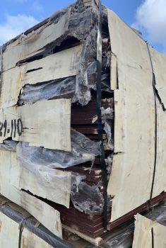 177 Paketen Sperrholzplatten
